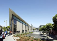 Built by Leddy Maytum Stacy Architects in San Francisco, United States Located at the crossroads of North Beach with spectacular city views, the new branch library provides valuable commun...