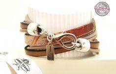 Armband gewickelt Brauntöne Stoff und Leder kombiniert & silbernem Anhänger Wickelarmband für Frauen Armband mit Print & Glitzer