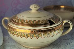 An superb vintage 'Ivory Ware' Clyde design small lidded tureen by John Maddock…