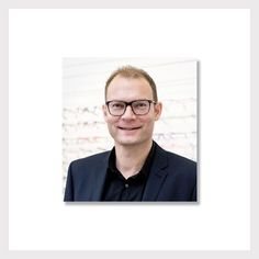 Kurze Geschichte der RELAXBRILLE® #story #brille #optiker #zuerich #relaxbrille