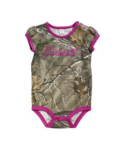 Realtree Xtra puff cap sleeve tee with pink binding and pink layered hem. Pink Carhartt screen print with sugar glitter and woven Carhartt strip label on left sleeve. 5.5-ounce, 100% Cotton Printed Jersey.
