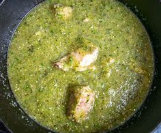 This is a great recipe for a comforting batch of Chili Verde. You can use the leftovers to make some killer burritos and quesadillas. Chili Verde Recipe, Tinga Recipe, Tomatillo Sauce, Carnitas Recipe, Green Salsa, Chicken Burritos, Mexican Food Recipes, Ethnic Recipes, Homemade Salsa