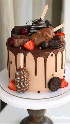 Candy Birthday Cakes, Elegant Birthday Cakes, Beautiful Birthday Cakes, Chocolate Birthday Cakes, Birthday Cake Designs, Chocolate Birthday Cake Decoration, Birthday Cake Decorating, Chocolate Cake Designs, Chocolate Drip Cake