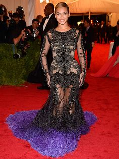 Beyonce in Givenchy Haute Couture, Met Gala 2012 Gala Dresses, Nice Dresses, Formal Dresses, Celebrity Red Carpet, Celebrity Style, Celebrity Couples, Celebrity Crush, Celebrity News, Divas