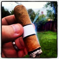 Enjoying a sample blend. I love being a one-man focus group #cigar #smoke #cigarporn #aficionado