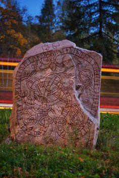 Kista Runestone (U75, RAÄ Spånga 164:1) — at Kista Gård, Stockholm, Sweden — #runestones