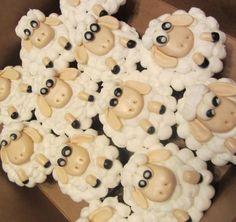 Lamb Cupkakes Ramadan Recipes, Ramadan Food, Cupcake Pictures, Cute Cupcakes, Themed Cakes, Eid, Lamb, Cupcake Cakes, Food Ideas