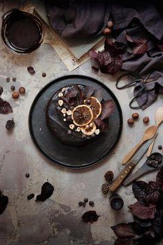CROMÌE | BROWN (DARK CHOCOLATE CAKE WITH HAZELNUTS AND RHUM)