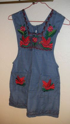 Childs-Apron-or-Pinafore-Oaxaca-Mexico-Embroidered-Flowers