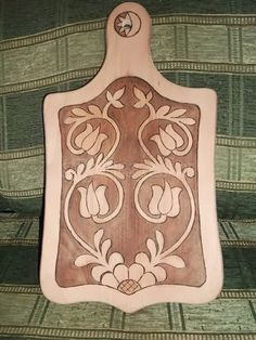 Hungarian Embroidery, Wolf Tattoos, Hungary, Wood Art, Vikings, Woodworking, Carving, Perfume, Traditional