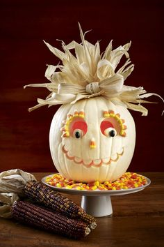 27 Creative and Scary Pumpkin-Carving Ideas for Halloween. Halloween spooky decoration ideas with pumpkins. Creative pumpkins decoration ideas for Halloween. Halloween indoor and outdoor decoration ideas. Unique Pumpkin Carving Ideas, Funny Pumpkin Carvings, Amazing Pumpkin Carving, Pumpkin Carving Party, Diy Halloween, Adornos Halloween, Halloween Pumpkins, Halloween Halloween, Holidays Halloween