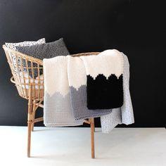 Baby deken mantel neutrale voor wandelwagen of door YarningMade