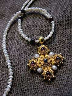 replica of XV century cross, Victoria&Albert Museum, London, gilded silver, garnets, pearls, sapphire