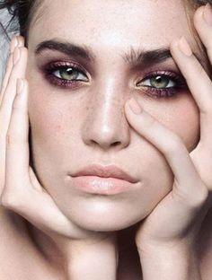 Makeup Ideas: Veja ideias de sombras coloridas e metálicas seja em pó creme ou efeito molh
