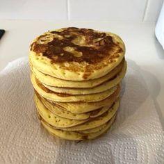 Clătite americane Pancakes, Cheesecake, Breakfast, Recipes, Food, Morning Coffee, Cheesecakes, Recipies, Essen