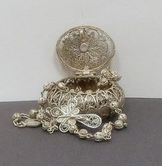 Vintage 900 Silver Filigree Rosary & 800 Silver Box   Italy