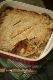 This easy chicken pot pie recipe is a favorite comfort food the family will enjoy every time. This reminds me of the Fanny Chicken Pot Pie I have made and it is so good. Wild Game Recipes, Meat Recipes, Cooking Recipes, What's Cooking, Curry Recipes, Dinner Recipes, Rabbit Dishes, Rabbit Food, One Pot Dinners