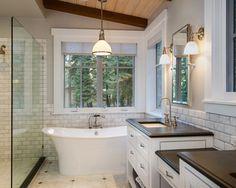 Мебель для ванной белого цвета в интерьере