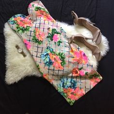 Strapless Bodycon Midi Dress Like new bodycon midi dress perfect for spring/summer. Worn once Dresses Midi