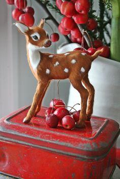 retro Christmas deer. Love the tool box base.