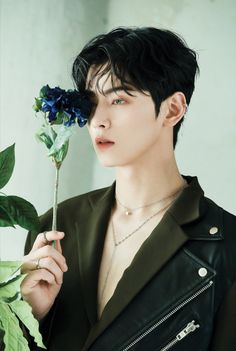 Blue flame aesthetic⚡️⚡️ my bby looks so handsome💖✨ Beautiful Boys, Pretty Boys, Cute Boys, F4 Boys Over Flowers, Kim Myungjun, Cha Eunwoo Astro, Astro Wallpaper, Lee Dong Min, Kdrama Actors