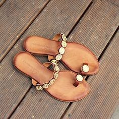 Soft, rich, gold dripped and handmade! Shop online ▶️ papanikolaoushoes.gr ❤️ #papanikolaoushoes #komisandkomis #leathershoes #sandals #ancientgreeksandals Gold Drip, Ancient Greek Sandals, Handmade Shop, Leather Shoes, Slip On, Shopping, Fashion, Leather Dress Shoes, Moda