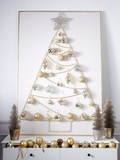 DIY Christmas Wall Decor Ideas for 2019 that spells out the Christmas joy in the most appropriate way - Saudos Christmas Stairs Decorations, Wall Christmas Tree, Best Christmas Lights, Noel Christmas, Modern Christmas, White Christmas, Elegant Christmas, Homemade Christmas Tree, Xmas Trees