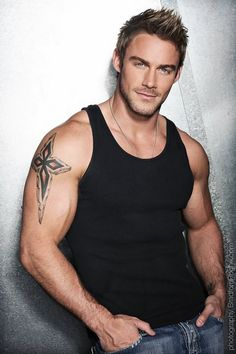 Holy cow! Jesse Pavelka, ok this guy is a personal trainer with a tv show. How do I not know about him???