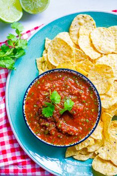 How to make 5 minute salsa in a food processor. The perfect recipe for parties. #recipeoftheday #vegan #vegetarian #easyrecipe #glutenfree