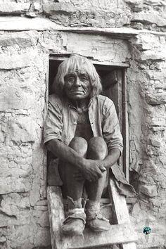 An old Hopi man. Oraibi, Arizona. 1898. Photo by George Wharton James. Source - University of Southern California Libraries