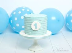 Blue Smash a Cake 1 Year Old Birthday Party, Boys First Birthday Party Ideas, New Birthday Cake, 1st Birthday Pictures, Baby Boy First Birthday, Baby Cake Smash, Smash Cakes, Cake 1 Year Boy, Boy Baptism Centerpieces