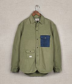 another cute restyling idea....mixing denim with khaki green...might have done the sleeves in denim and the pocket in a men's blue stripe pattern or blue plaid Army Shirts, Denim Shirt Men, Vintage Men, Military Fashion, Boy Fashion, Mens Fashion, Fashion Outfits, Khaki Green, Blue Plaid