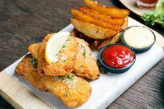 Greensbury Market: Beer Battered Fish and Chips with Tartar Sauce Best Tartar Sauce Recipe, Homemade Tartar Sauce, Sauce Recipes, Fish Recipes, Newcastle Brown Ale, Beer Battered Fish, How To Cook Potatoes, Gordon Ramsay, Fish And Chips