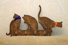 Key holder cats for keys, leashes ., Key holder cats for keys, lines . - # for # keys # key holder. Wooden Art, Wooden Crafts, Cat Crafts, Diy And Crafts, Wood Projects, Woodworking Projects, Wooden Key Holder, Wood Animal, Scroll Saw Patterns
