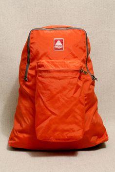 JanSport Orangefarbener Ski- und Wanderrucksack  urban outfitters