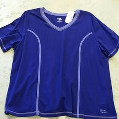 Liz & Me blue stretchy sports top 1X NWT Liz & Me blue sports top. Size 1X (18 - 20). Stretchy material of 95% Cotton,  5% Spandex.  Beautiful blue color!       ****** smoke-free & pet-free home ****** Liz Claiborne Tops