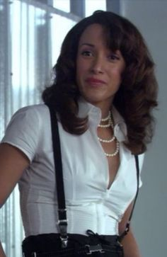 The strong & sultry Bette from L Word - Jennifer Beals