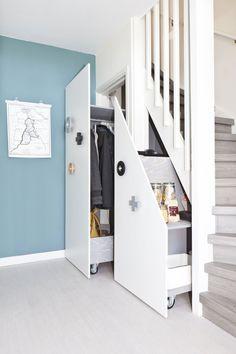 VR3 Staircase Storage, Stair Storage, Basement Storage, Home Stairs Design, Home Design Plans, House Design, Redo Stairs, House Stairs, Diy Storage Pods