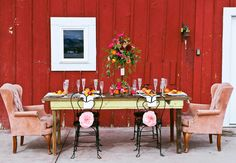 """9 Sweetheart Chair Ideas Fit For A King and Queen 