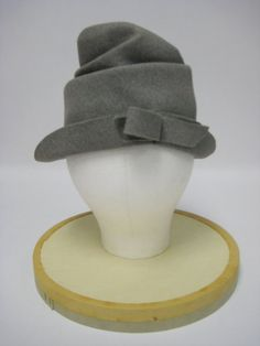 1950's Gray Felt Hat with Bow by MimiCloset on Etsy
