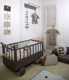 Stoere babykamer in pastel en aardetinten