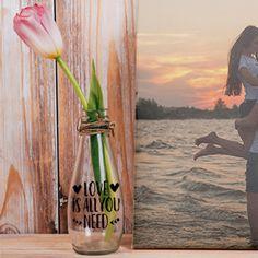 Personaliza un jarrón o tarro de cristal con esta pegatina de Love is all you need, para decorar un florero. Love Is All, Ideas, Jars, Shop Displays, Flower Vases, Vinyls, Stickers, Crystals, Thoughts