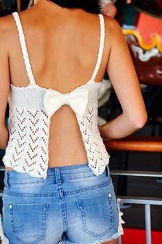 """Ravelry: """"Bow Crazy"""" Chevron Lace Open Back Tank Top with Bow pattern by Lauren Riker Lace Patterns, Easy Crochet Patterns, Knitting Patterns, Patron Crochet, Open Back Tank Top, Bow Pattern, Sport Weight Yarn, Cute Tank Tops, Striped Tank Top"""