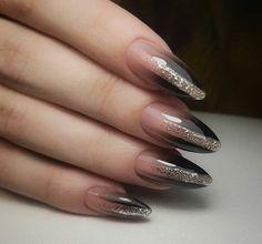 Semi-permanent varnish, false nails, patches: which manicure to choose? - My Nails Grey Nail Designs, Fall Nail Designs, Gray Nails, Black Nails, Gradient Nails, Glitter Nail Polish, Acrylic Nails, Trendy Nails, Cute Nails