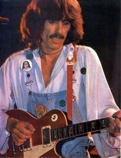 How is he pulling off such an ugly outfit, sooo well??? 1974 tour