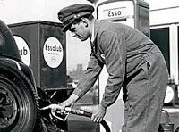Go Retro!: Whatever Happened to...Full Service Gas Stations?