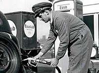 Benzine pomp bediende.