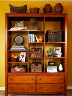 love the bookcase and the way items are displayed--use of baskets