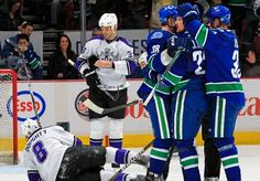 Vancouver Canucks are the 2010-11 season President Trophy winners!
