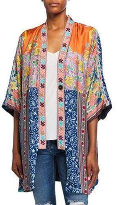 Johnny Was Petite Bianca Reversible Silk Twill Short Kimono Kimono Design, Boho Fashion, Fashion Outfits, Short Kimono, Embroidered Jeans, Johnny Was, Boho Chic, Boho Style, Vintage Style Outfits